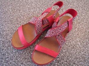 Inuovo Sandalo con plateau rosso chiaro-rosso