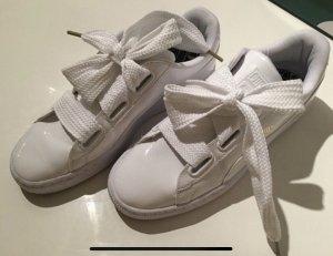 NEUE Puma Basket Heart Patent weiße Sneakers