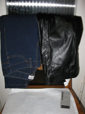 Neue Push up elastische Hosenset: Push up Kunstlederhose + Jeans, D34, S