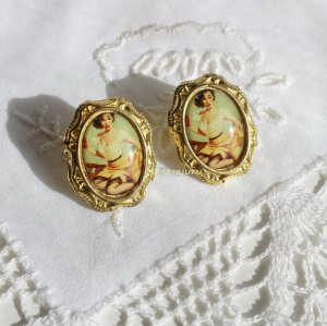 Vintage Earring gold-colored