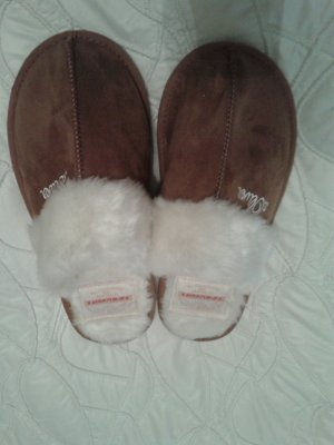 s.Oliver Scuffs light brown-natural white fake fur