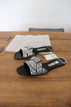 Neue Sandalen Latschen Schlappen von Zara Größe 38 Nieten Blogger Hipster