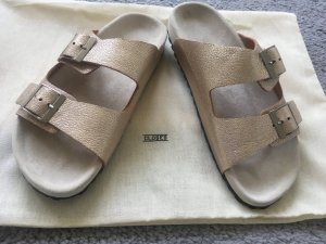 Closed Comfort Sandals oatmeal-gold-colored