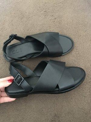 Neue Sandalen von cos
