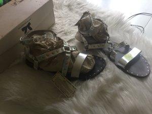 Neue Sandeln von Parklane Shoes