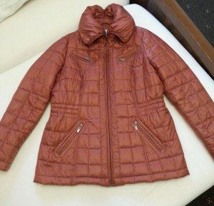 Neue schöne warme Jacke