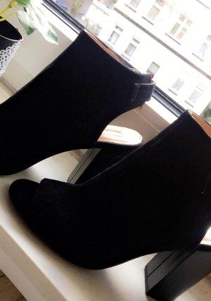 Neue Schuhe mit Absatz Gr.39