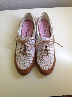 Neue Schuhe mit Blümchen von Claudia Ghizzani, Größe 37