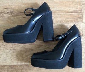 Neue Schuhe mit Plateausohle von River Island