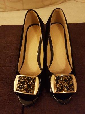 Neue Schuhe , ohne Etikett.