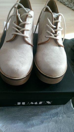Neue Schuhe von Jumex