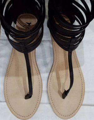 Black Lily Roman Sandals black