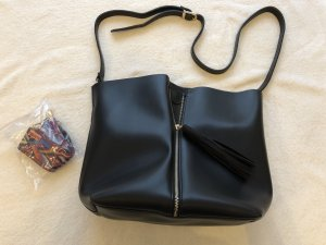 NEUE schwarze Handtasche