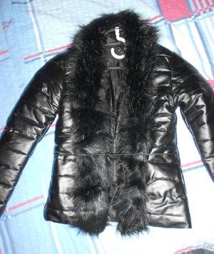 fake fur jacke wei gr s m dchenflohmarkt. Black Bedroom Furniture Sets. Home Design Ideas