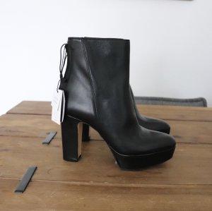 Neue schwarze Leder Stiefeletten von Zara Größe 38