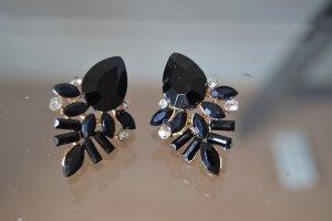 neue schwarze Ohrringe