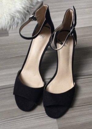 Neue schwarze Sandaletten von H&M