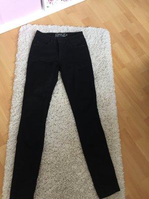 Neue (!) schwarze Skinny Hose von Only