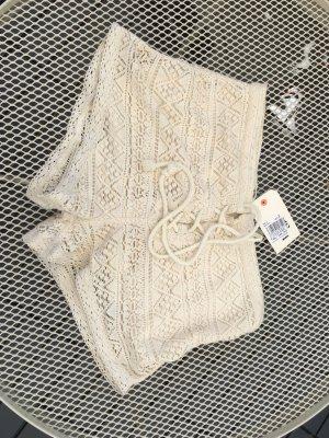Neue Shorts/Hotpants von Billabong, mit Unterstoff. Größe S