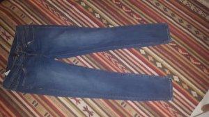 Neue Slim Jeans von benetton mit Schlitz