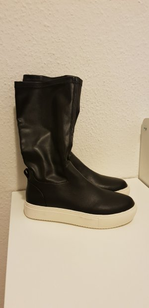 Neue Sneaker Stiefel von United Colors of Benetton
