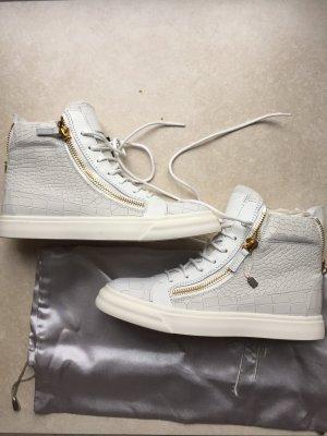 Neue Sneakers von Giuseppe Zanotti mit Rechnung