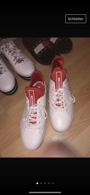 Neue Sneakers von Michael Kors