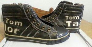 Neue Sneakers von Tom Tailor