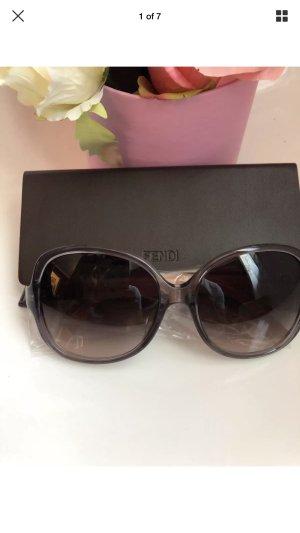 Neue Sonnenbrille von Fendi