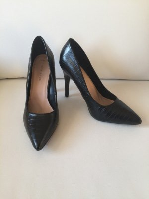 47dd5f71b76afc New Look Women s Pointed Toe Pumps at reasonable prices