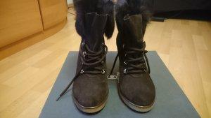 Neue Stiefel, Wildleder mit Fell, Größe 39.