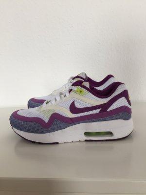 Nike Lace-Up Sneaker multicolored mixture fibre
