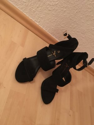 NEUE super stylische High Heels