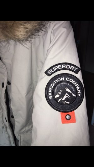 Neue Superdry Jacke zu verkaufen