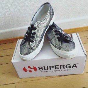 Neue Superga Sneaker