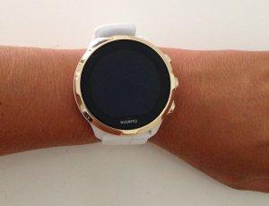 Orologio digitale bianco-oro