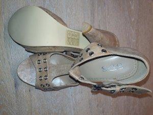 neue T-Strap Sandaletten