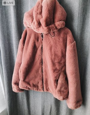 Neue Teddyjacke von Bershka