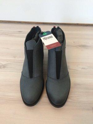 Neue Tommy Hilfiger Schuhe Gr 39
