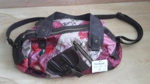 Neue und ungetragene Tasche von Desigual in Rottönen