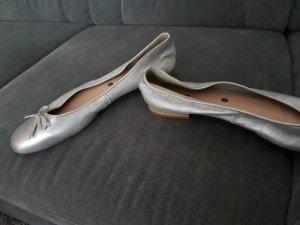 Neue, ungetragene Ballerinas von S-Oliver in silber