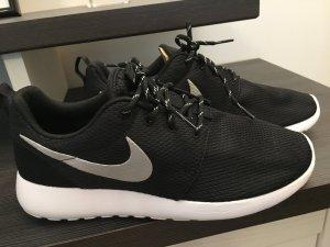 Neue ungetragene Nike Roshe One