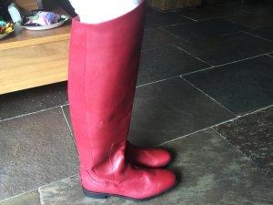 Neue ungetragene rote Lederstiefel von Fendi