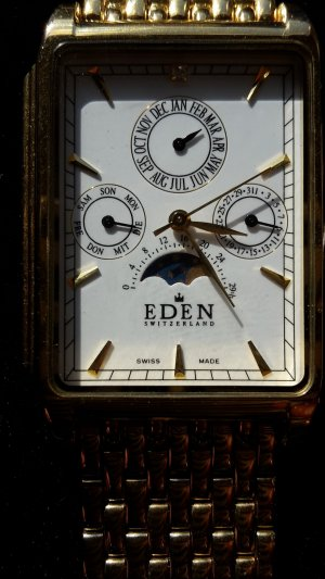 Neue vergoldete Armbanduhr von Eden
