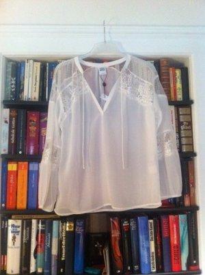 Neue Vero Moda Bluse mit Spitzeneinsatz