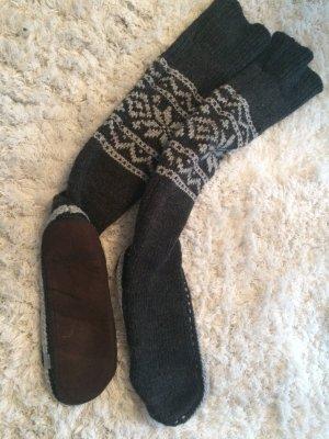 *Neue Warme Over Knee Hausschuhe von SuperDry Hüttenschuhe, Pantoffeln**