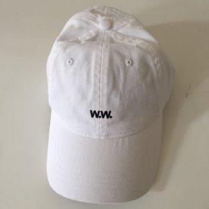 Neue, weiße Mütze von Wood Wood