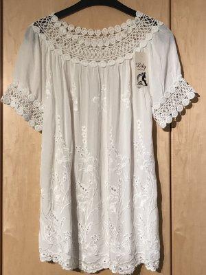 Neue wunderschöne Bluse in Spitzenoptik