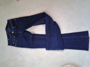Neue zara Jeans, dunkeles jeansblau, guter und modischer Schnitt