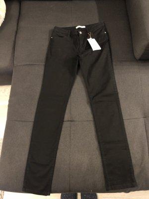 Neue Zara Jeans in Gr 38 mit Etikett